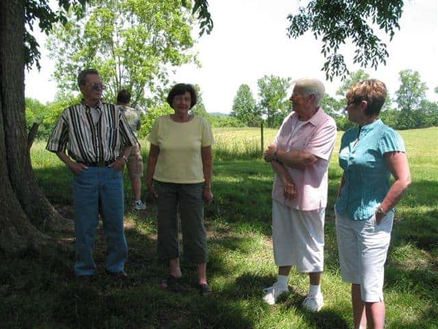 Dad, his cousins Doris and Janet Sue, and me in 2008.